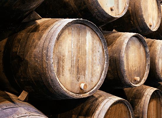 barricas de madera de roble para vino - almacén de maderas valencia